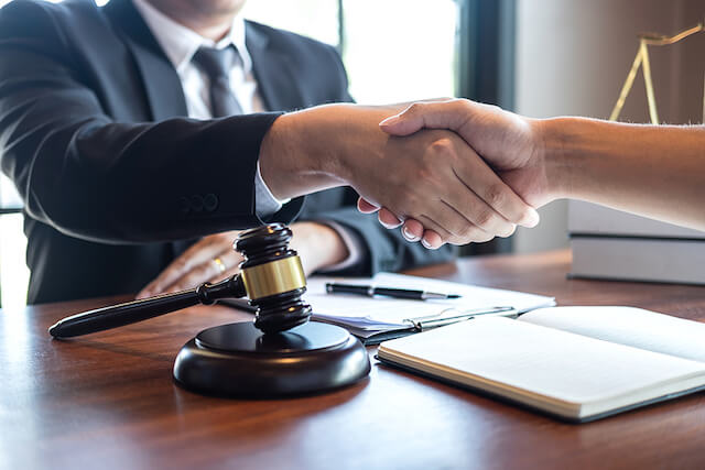 Best Commercial Lawyers Singapore